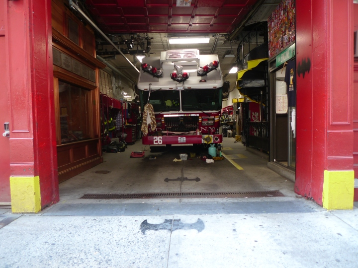 Fire Engine, New York, NY / Leica D-Lux 4